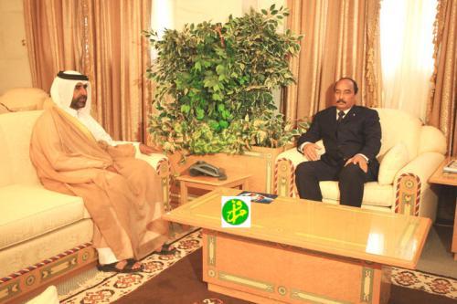 لقاء  ولد عبد العزيز للسفير القطري بنواكشوط